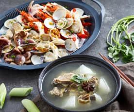 清炖羊排汤配蒜蓉海鲜蒸金针菇