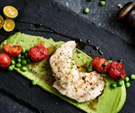 清蒸红鲷鱼配豌豆泥及小番茄