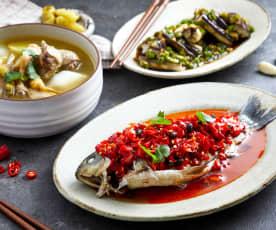 酸萝卜老鸭汤配剁椒豆豉蒸鲫鱼、辣味蒸茄子