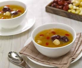 雪耳莲子甜汤