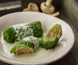 小米甘蓝菜卷佐蘑菇奶油酱