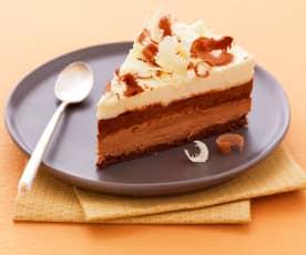 三层巧克力蛋糕