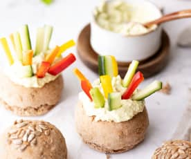 全麦面包卷蔬菜条配蘸料