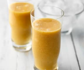 Orange and Pear Juice with Cinnamon