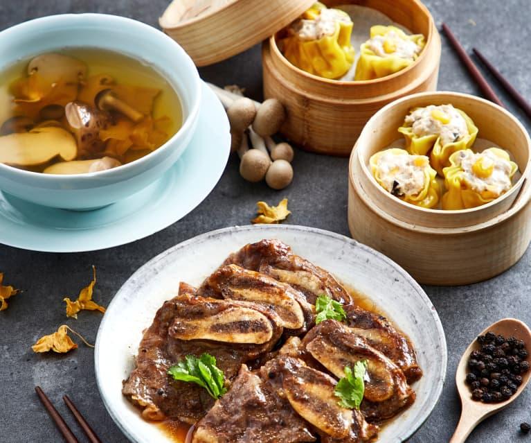 菌菇松茸天籽兰花汤配蒸黑胡椒牛仔骨、广式烧麦