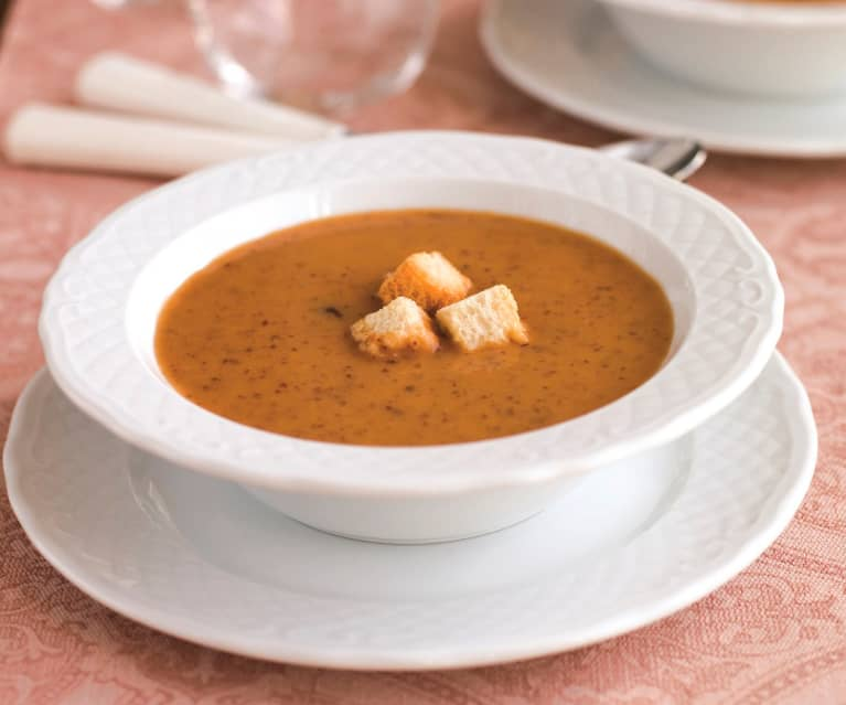 Sopa de feijão encarnado com abóbora